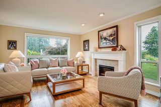 Photo 3: 9377 163A Street in Surrey: Fleetwood Tynehead House for sale : MLS®# R2475347