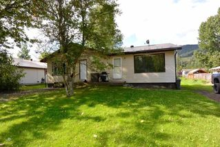 Photo 1: 3523 ALFRED Avenue in Smithers: Smithers - Town House Duplex for sale (Smithers And Area (Zone 54))  : MLS®# R2487438