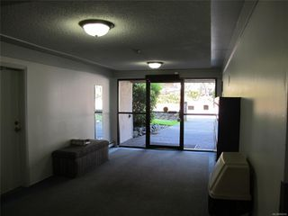Photo 4: 102 3235 Quadra St in : SE Maplewood Condo for sale (Saanich East)  : MLS®# 856016