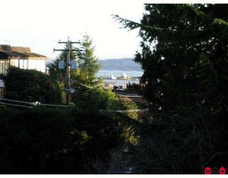 Photo 8: 304 1351 MARTIN Street in White Rock: Home for sale : MLS®# F2804176