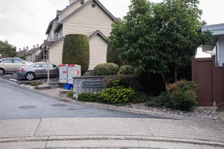 """Photo 3: 10 2736 ATLIN Place in Coquitlam: Coquitlam East Townhouse for sale in """"CEDAR GREEN ESTATES"""" : MLS®# R2505627"""