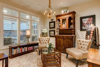 Photo 9: 166 Springborough Green SW in Calgary: Springbank Hill Detached for sale : MLS®# A1043662