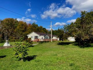 Photo 1: 308 Highway 224 in Sheet Harbour: 35-Halifax County East Residential for sale (Halifax-Dartmouth)  : MLS®# 202023715