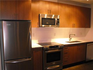 Photo 2: 408 221 UNION Street in Vancouver: Mount Pleasant VE Condo for sale (Vancouver East)  : MLS®# V854878