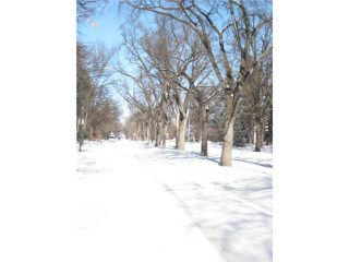 Photo 3: 274 Overdale Street in WINNIPEG: St James Residential for sale (West Winnipeg)  : MLS®# 1203200