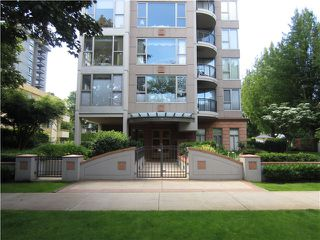 "Photo 10: 100 1788 W 13TH Avenue in Vancouver: Fairview VW Condo for sale in ""MAGNOLIA"" (Vancouver West)  : MLS®# V985193"