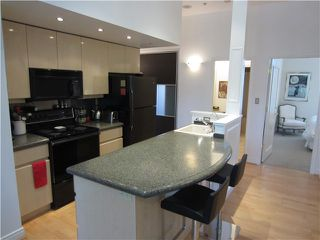 "Photo 3: 100 1788 W 13TH Avenue in Vancouver: Fairview VW Condo for sale in ""MAGNOLIA"" (Vancouver West)  : MLS®# V985193"