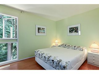 "Photo 16: 1065 HERITAGE Boulevard in North Vancouver: Seymour Townhouse for sale in ""HERITAGE IN THE WOODS"" : MLS®# V1026380"