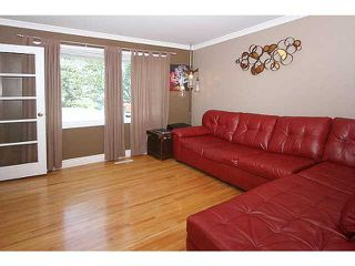 Photo 6: 266 REGAL Park NE in CALGARY: Renfrew_Regal Terrace Townhouse for sale (Calgary)  : MLS®# C3626988