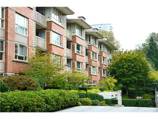 Photo 1: # 422 801 KLAHANIE DR in Port Moody: Port Moody Centre Condo for sale : MLS®# V1088667