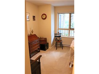 Photo 7: # 422 801 KLAHANIE DR in Port Moody: Port Moody Centre Condo for sale : MLS®# V1088667