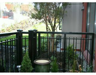 "Photo 5: 833 AGNES Street in New Westminster: Downtown NW Condo for sale in ""NEWS"" : MLS®# V610315"