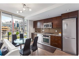 Photo 2: # 501 918 COOPERAGE WY in Vancouver: Yaletown Condo for sale (Vancouver West)  : MLS®# V1120182