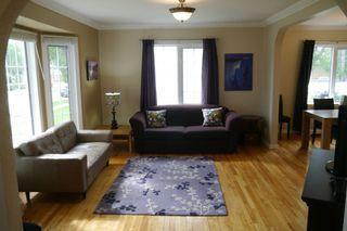 Photo 2: 1329 Somerville Avenue in Winnipeg: West Fort Garry Single Family Detached for sale (South Winnipeg)  : MLS®# 1525316