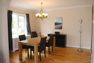 Photo 3: 1329 Somerville Avenue in Winnipeg: West Fort Garry Single Family Detached for sale (South Winnipeg)  : MLS®# 1525316