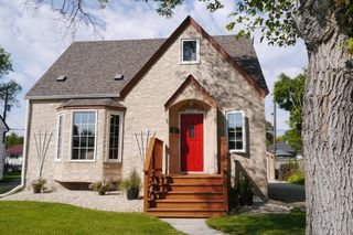 Photo 1: 1329 Somerville Avenue in Winnipeg: West Fort Garry Single Family Detached for sale (South Winnipeg)  : MLS®# 1525316