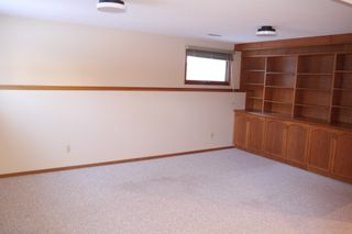 Photo 3: 93 Glenbrook Crescent in Winnipeg: Richmond West Single Family Detached for sale (South Winnipeg)  : MLS®# 1525607