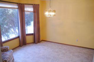 Photo 4: 93 Glenbrook Crescent in Winnipeg: Richmond West Single Family Detached for sale (South Winnipeg)  : MLS®# 1525607