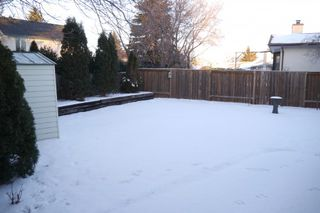 Photo 10: 93 Glenbrook Crescent in Winnipeg: Richmond West Single Family Detached for sale (South Winnipeg)  : MLS®# 1525607