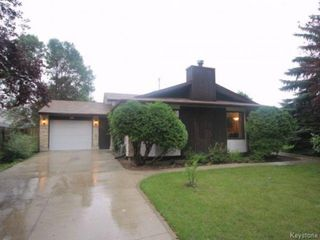 Photo 1: 93 Glenbrook Crescent in Winnipeg: Richmond West Single Family Detached for sale (South Winnipeg)  : MLS®# 1525607