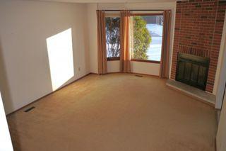 Photo 2: 93 Glenbrook Crescent in Winnipeg: Richmond West Single Family Detached for sale (South Winnipeg)  : MLS®# 1525607