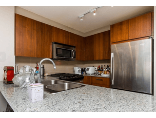 Photo 10: 119 5885 Irmin Street in Burnaby: Metrotown Condo for sale (Burnaby South)  : MLS®# R2061534