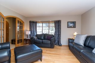 Photo 7: 355 Laurel Bay Southeast: Oakbank Single Family Detached for sale (R04)  : MLS®# 1811153