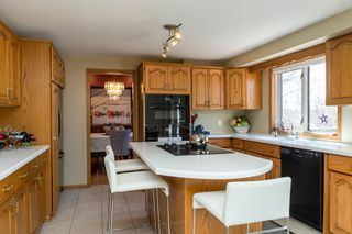 Photo 9: 355 Laurel Bay Southeast: Oakbank Single Family Detached for sale (R04)  : MLS®# 1811153