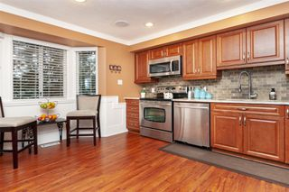 Photo 7: 18-2525 Shaftsbury Place in Port Coquitlam: Woodland Acres PQ Townhouse for sale : MLS®# R2341763