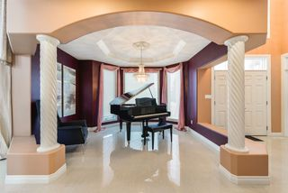 Photo 4: 1103 HENSON Close in Edmonton: Zone 14 House for sale : MLS®# E4167078