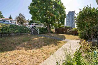 Photo 3: 4675 NANAIMO Street in Vancouver: Victoria VE House for sale (Vancouver East)  : MLS®# R2403944