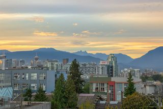 "Photo 12: 514 311 E 6TH Avenue in Vancouver: Mount Pleasant VE Condo for sale in ""WOHLSEIN"" (Vancouver East)  : MLS®# R2406452"