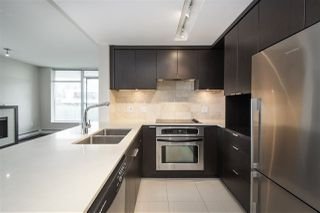 """Photo 4: 502 158 W 13TH Street in North Vancouver: Central Lonsdale Condo for sale in """"Vista Place"""" : MLS®# R2470929"""