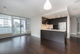 "Photo 5: 502 158 W 13TH Street in North Vancouver: Central Lonsdale Condo for sale in ""Vista Place"" : MLS®# R2470929"