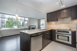 "Photo 3: 502 158 W 13TH Street in North Vancouver: Central Lonsdale Condo for sale in ""Vista Place"" : MLS®# R2470929"