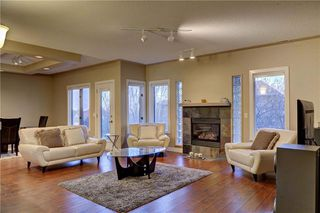 Photo 39: 129 SIGNATURE Way SW in Calgary: Signal Hill Detached for sale : MLS®# C4306203