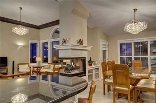 Photo 15: 129 SIGNATURE Way SW in Calgary: Signal Hill Detached for sale : MLS®# C4306203