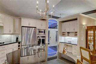 Photo 12: 129 SIGNATURE Way SW in Calgary: Signal Hill Detached for sale : MLS®# C4306203