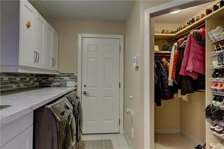 Photo 19: 129 SIGNATURE Way SW in Calgary: Signal Hill Detached for sale : MLS®# C4306203