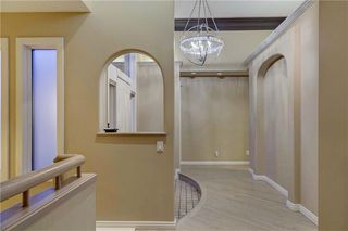 Photo 4: 129 SIGNATURE Way SW in Calgary: Signal Hill Detached for sale : MLS®# C4306203