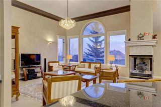 Photo 11: 129 SIGNATURE Way SW in Calgary: Signal Hill Detached for sale : MLS®# C4306203
