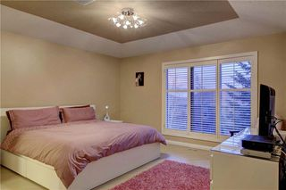 Photo 22: 129 SIGNATURE Way SW in Calgary: Signal Hill Detached for sale : MLS®# C4306203