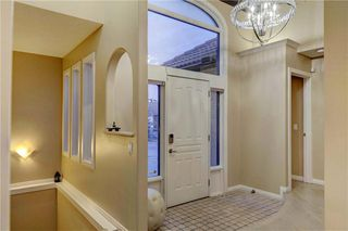 Photo 3: 129 SIGNATURE Way SW in Calgary: Signal Hill Detached for sale : MLS®# C4306203