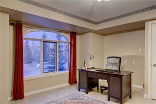 Photo 5: 129 SIGNATURE Way SW in Calgary: Signal Hill Detached for sale : MLS®# C4306203