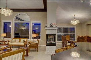Photo 14: 129 SIGNATURE Way SW in Calgary: Signal Hill Detached for sale : MLS®# C4306203