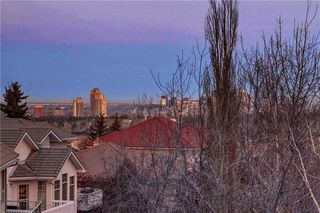 Photo 28: 129 SIGNATURE Way SW in Calgary: Signal Hill Detached for sale : MLS®# C4306203