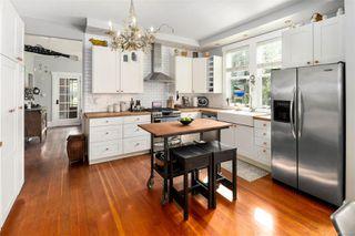 Photo 11: 2728 Blackwood St in : Vi Hillside House for sale (Victoria)  : MLS®# 854760