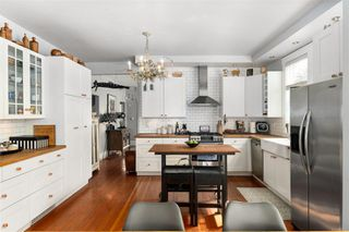 Photo 14: 2728 Blackwood St in : Vi Hillside House for sale (Victoria)  : MLS®# 854760