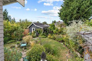 Photo 37: 2728 Blackwood St in : Vi Hillside House for sale (Victoria)  : MLS®# 854760