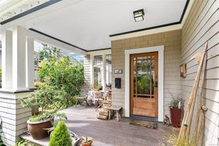 Photo 5: 2728 Blackwood St in : Vi Hillside House for sale (Victoria)  : MLS®# 854760